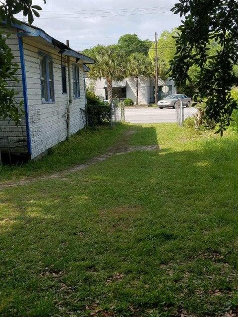 1890  Ashley River Road Charleston, SC 29407