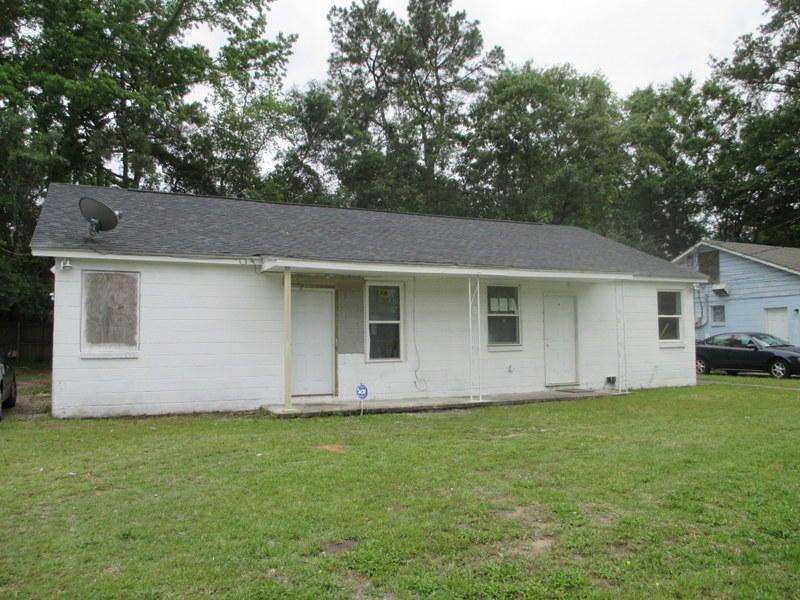 2169  Flora Drive North Charleston, SC 29406
