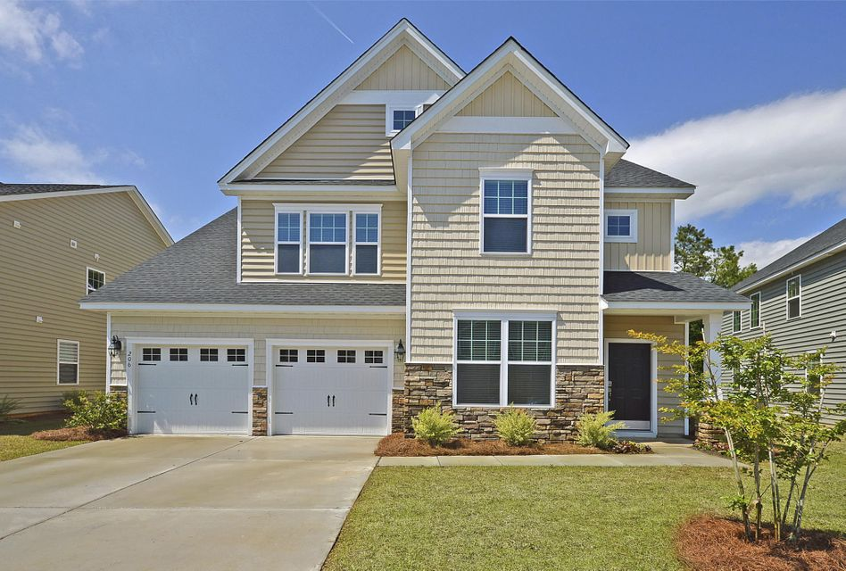 711  Redbud Lane Summerville, SC 29483