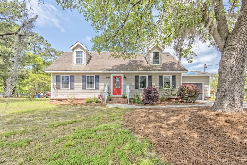 1944  Woodland Road Charleston, SC 29414