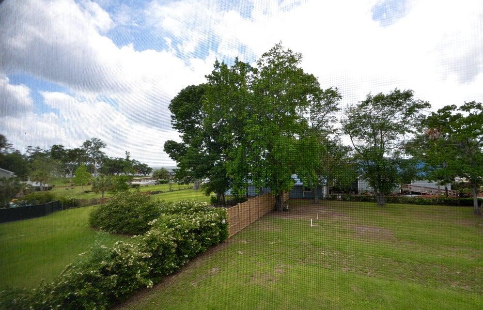 305 N Hampton Drive Bonneau, SC 29431
