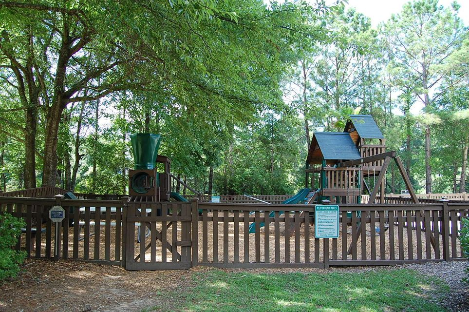 1235  Oak Hill Terrace Mount Pleasant, SC 29466