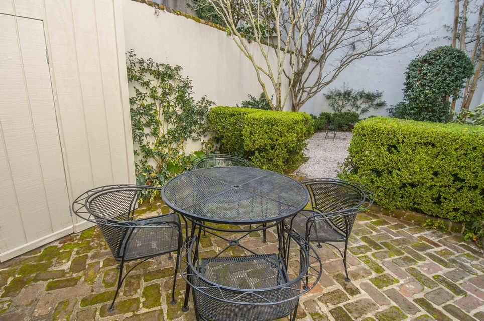 31  Wentworth Street Charleston, SC 29401