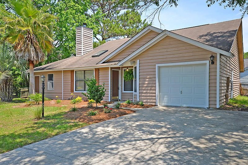 2028  Sprucewood Court Mount Pleasant, SC 29466