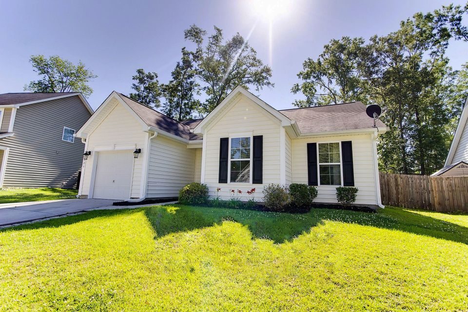 3009  Nantuckett Avenue North Charleston, SC 29420