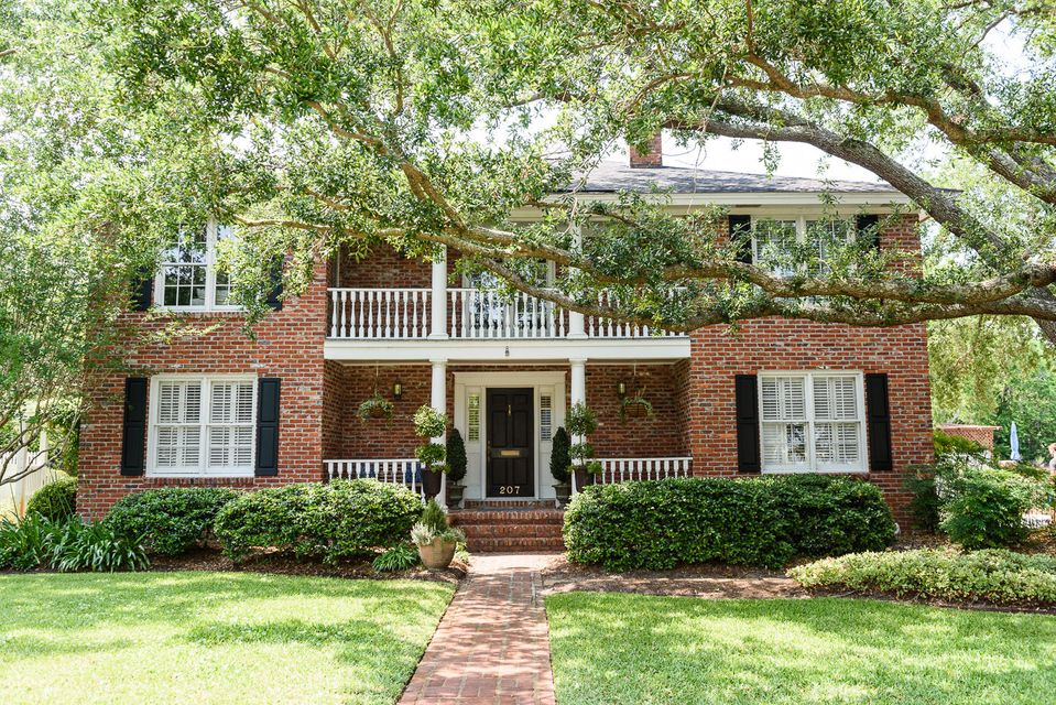 207  William Street Mount Pleasant, SC 29464