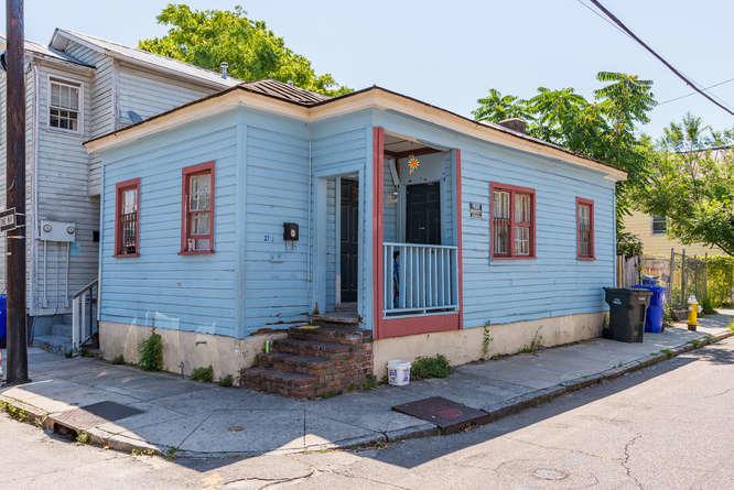21 1/2  Line Street Charleston, SC 29403