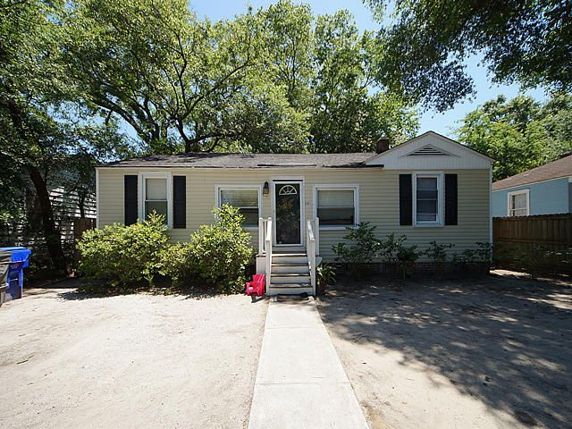 2651  Harvey Avenue North Charleston, SC 29405
