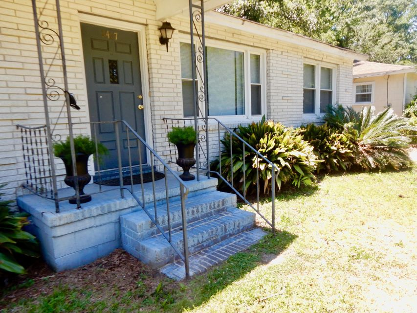 2467  Lantern Street Charleston, SC 29414