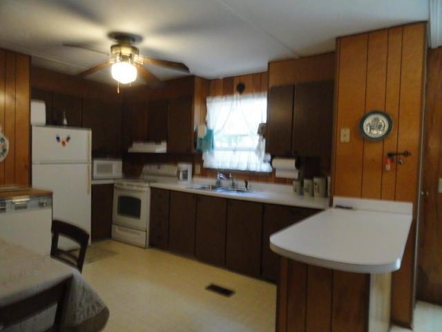 1015  Lemon Avenue Manning, SC 29102