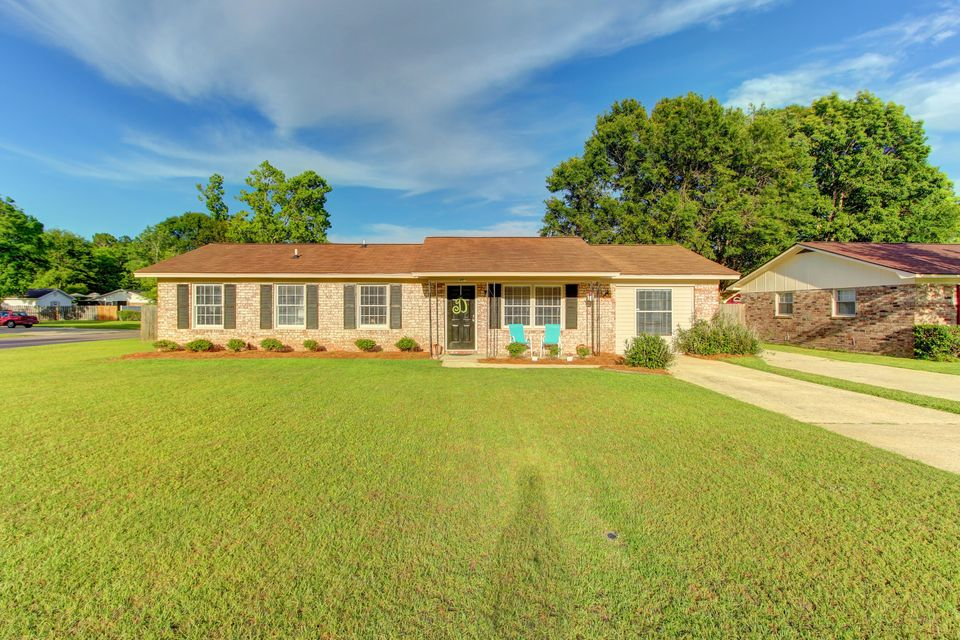 401  Beauregard Road Summerville, SC 29486