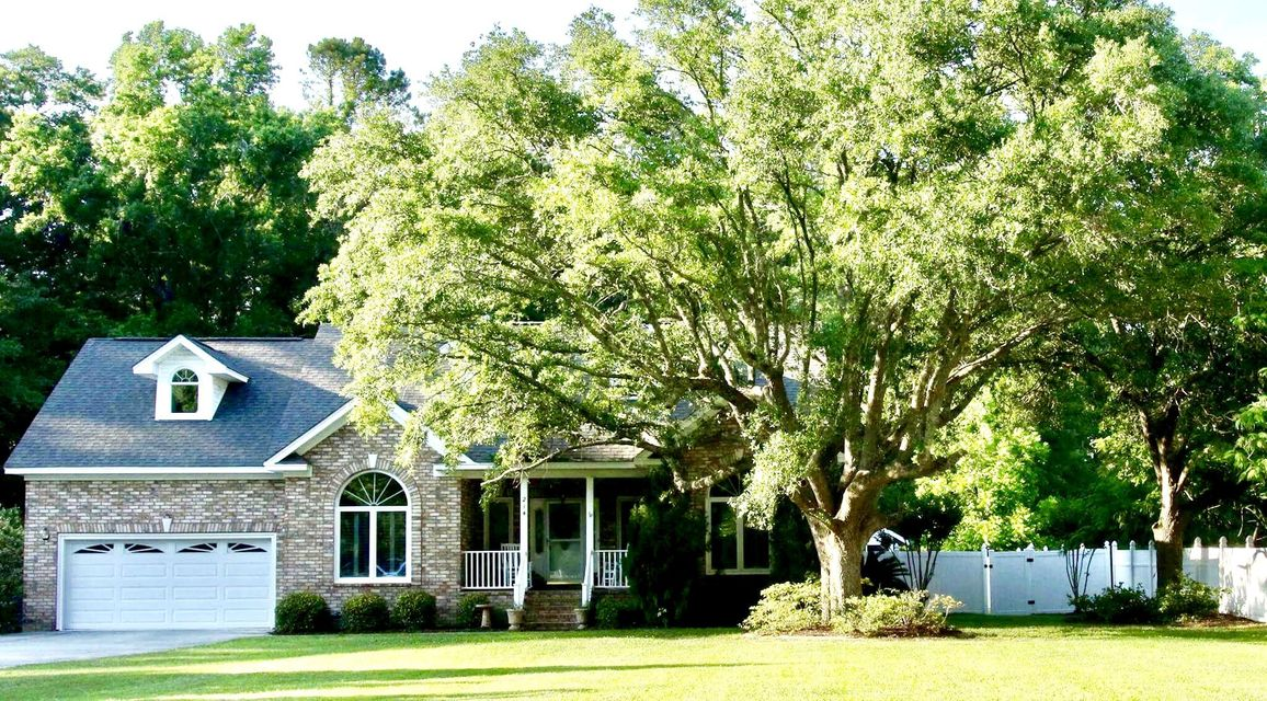 214 W Butternut Road Summerville, SC 29483