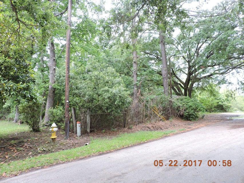 2131  Bradham Road Charleston, SC 29412