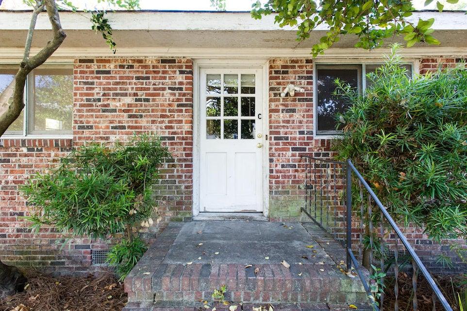 24  Gadsden Street Charleston, SC 29401
