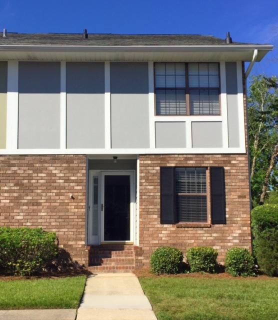 2907  Oxford Place Charleston, SC 29414