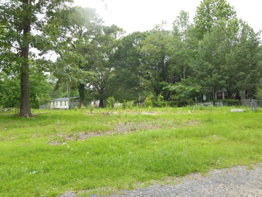 326  Twin Lake Drive Summerville, SC 29483