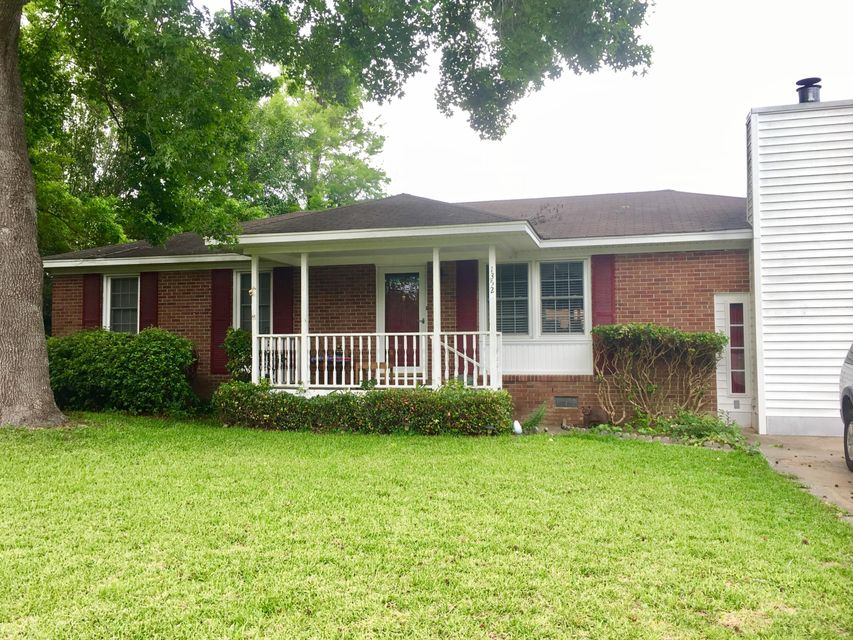 1352  Briarfield Avenue Charleston, SC 29412