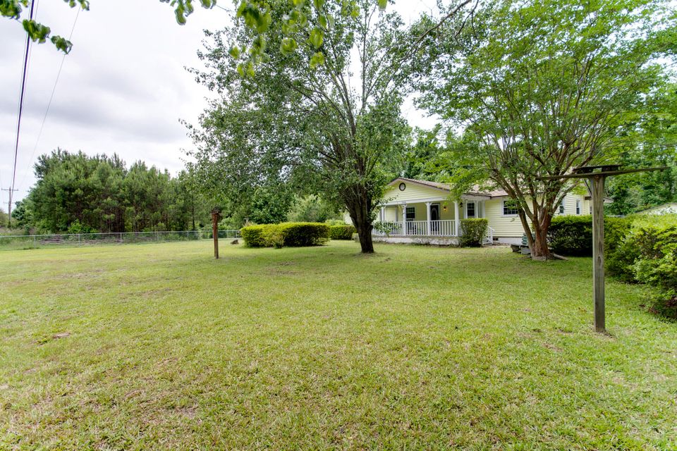 1064  Brownswood Road Johns Island, SC 29455