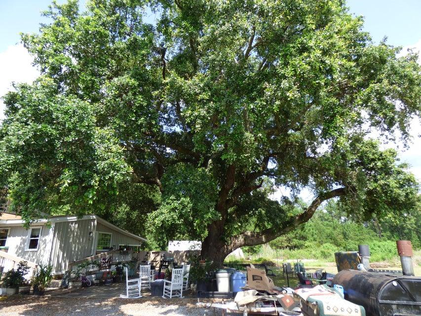 1522 S Live Oak Drive Moncks Corner, SC 29461