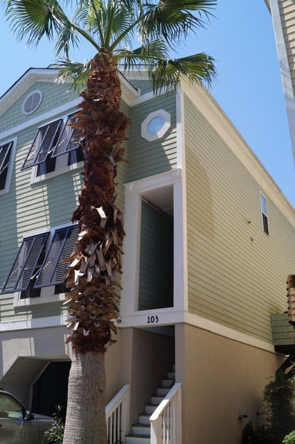 103 W 2ND Street Folly Beach, SC 29439