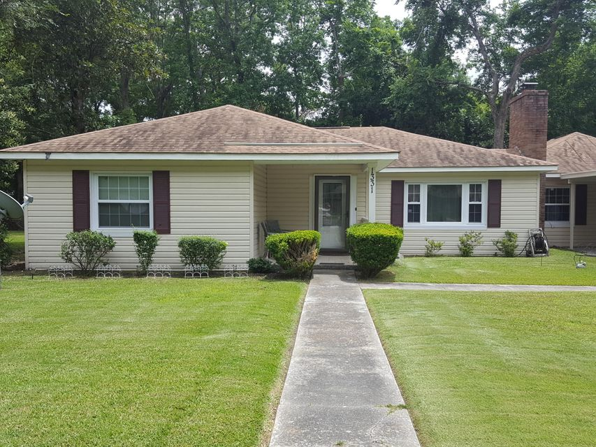 1331 S Sherwood Drive Charleston, SC 29407