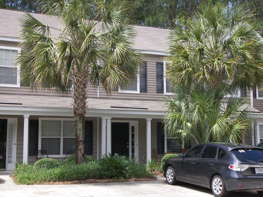 1124  Island Club Drive Charleston, SC 29492