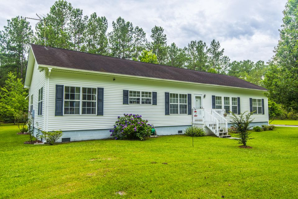 725  Lonesome Lane Ridgeville, SC 29472