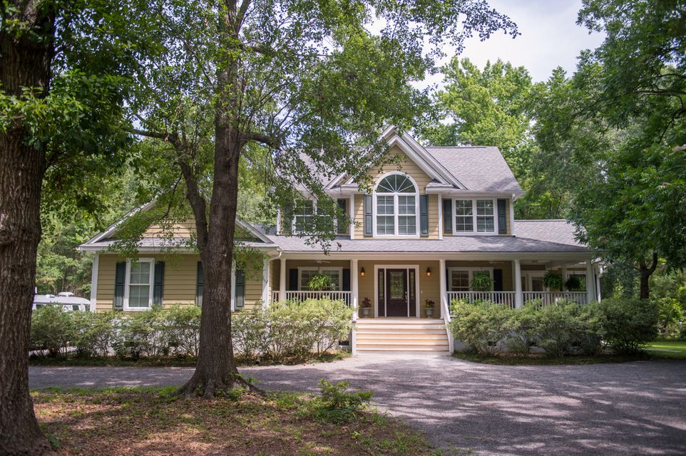 6426  Farm House Road Ravenel, SC 29470