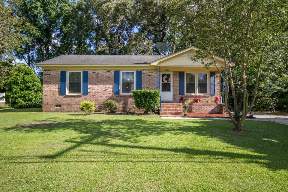 3289  Stonehaven Drive North Charleston, SC 29420