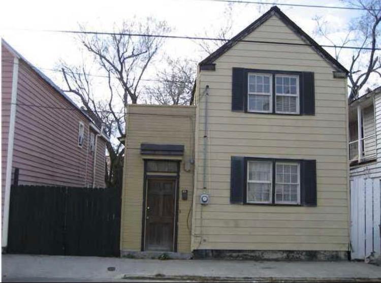 33  Hanover Street Charleston, SC 29403