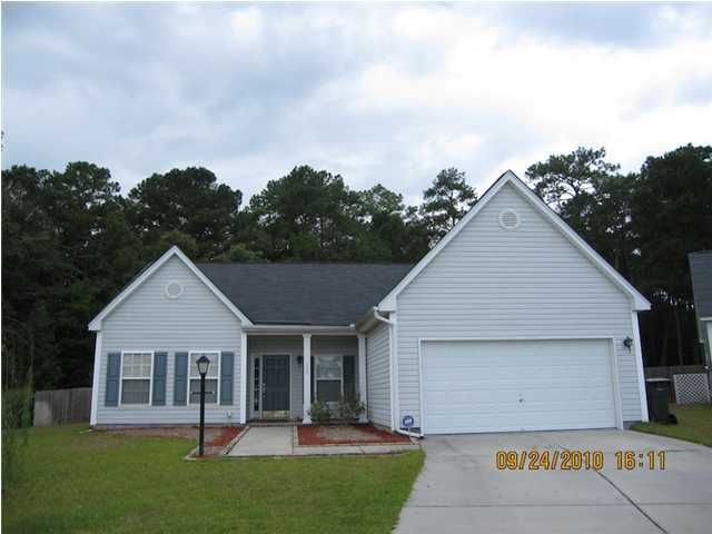 105  Causeyside Court Summerville, SC 29485