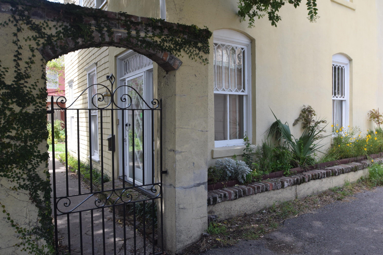 1  Weims Court Charleston, SC 29401