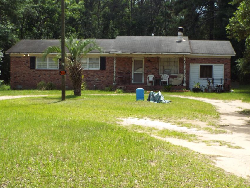 8269  Red House Edisto Island, SC 29438