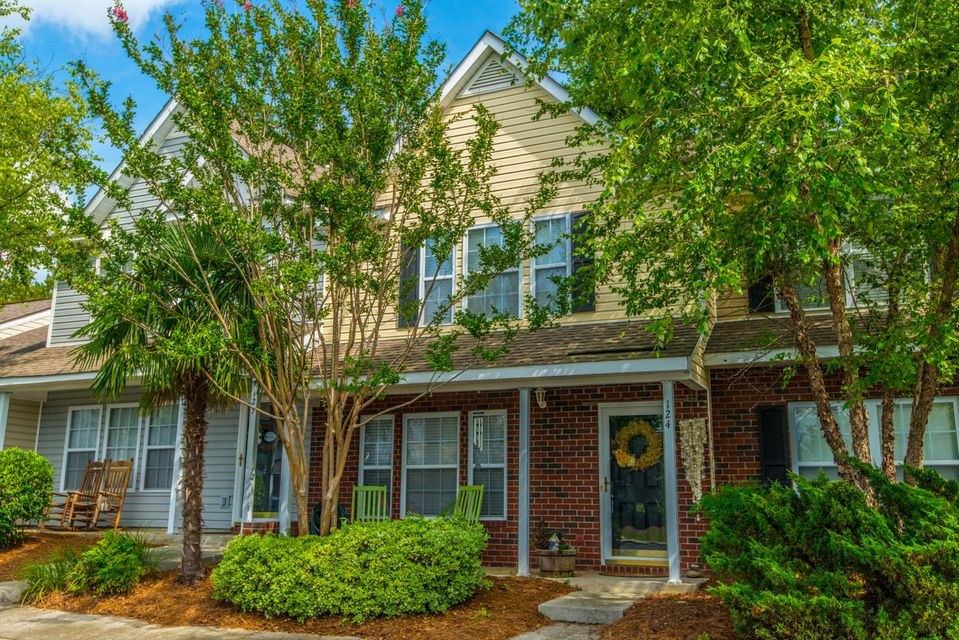 124  Taylor Circle Goose Creek, SC 29445