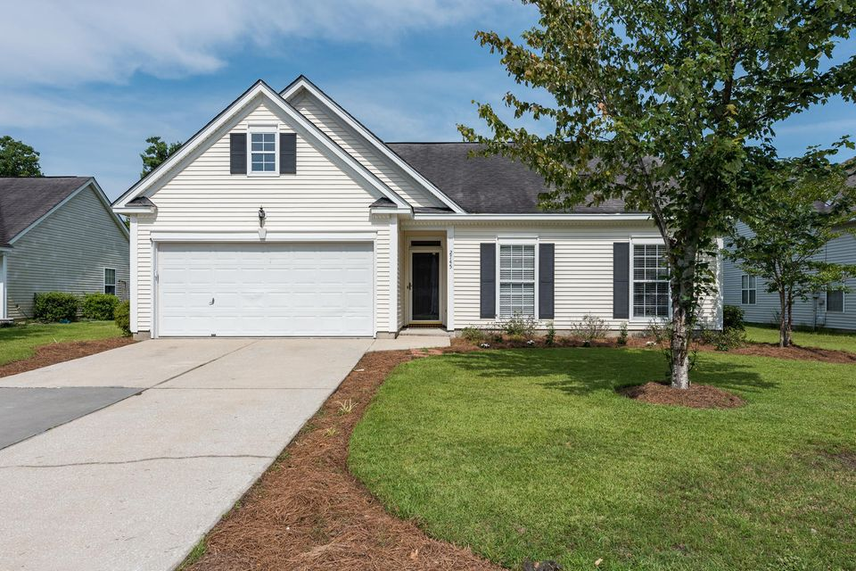 2745  Palmetto Hall Boulevard Mount Pleasant, SC 29466