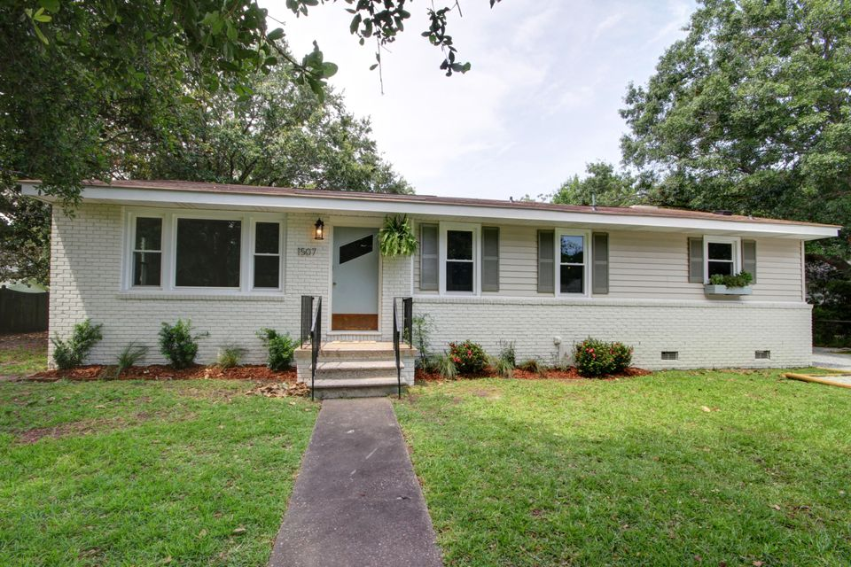 1507  Kathryn Street Mount Pleasant, SC 29464