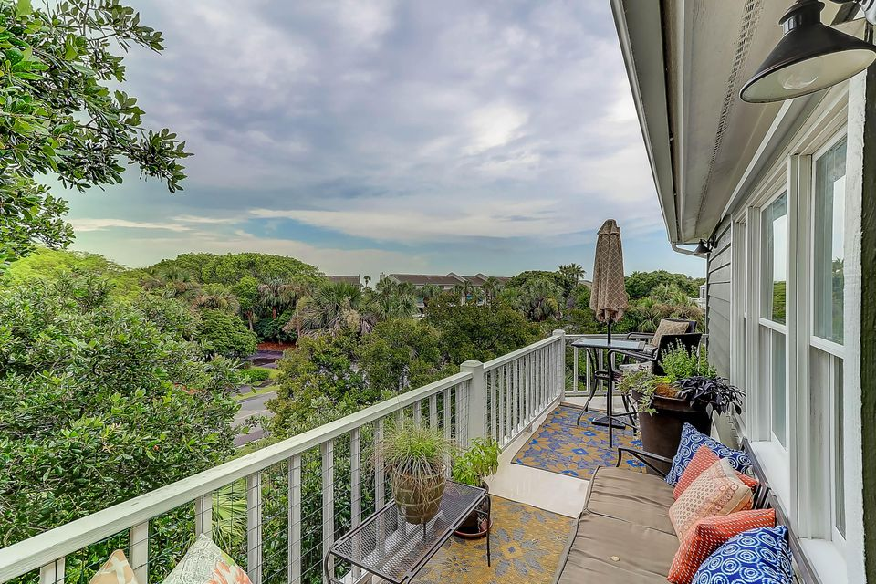 73  Fairway Dunes Lane Isle Of Palms, SC 29451