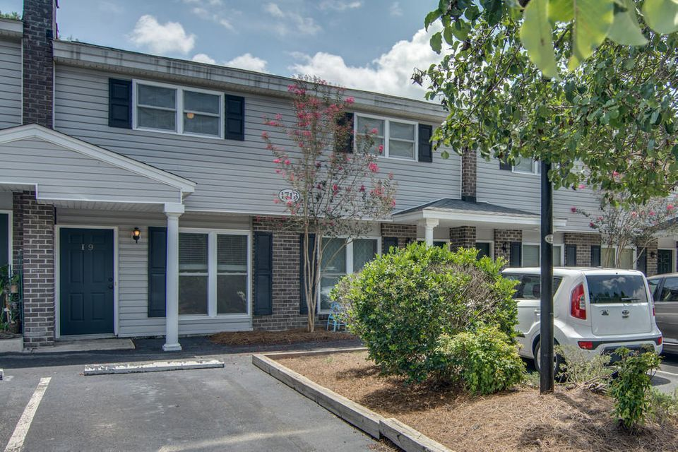 1713  Boone Hall Drive Charleston, SC 29407