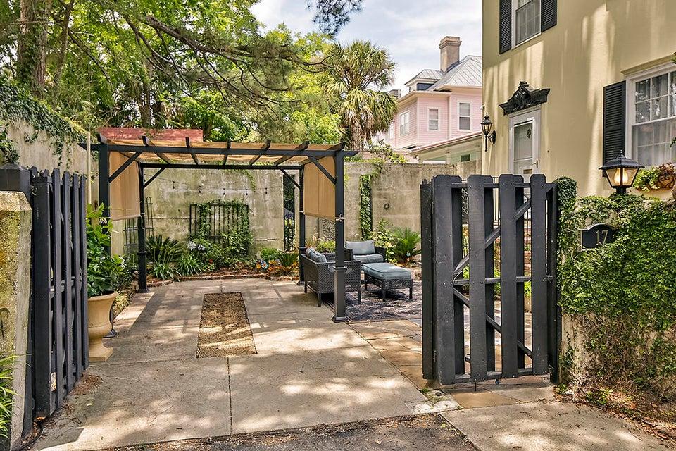 17  Rutledge Avenue Charleston, SC 29401