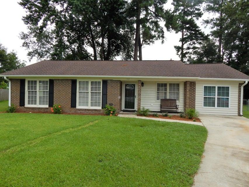 105  Gippy Drive Summerville, SC 29483