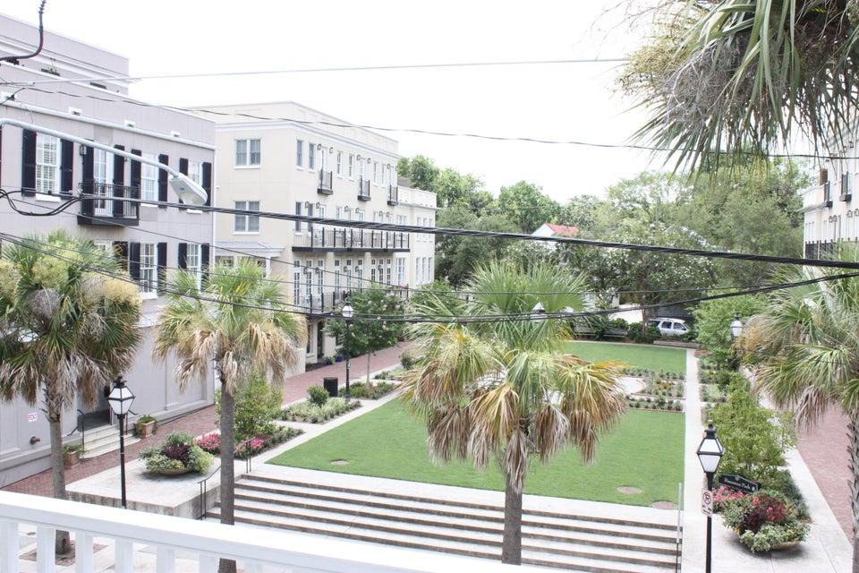 3  Dereef Court Charleston, SC 29403