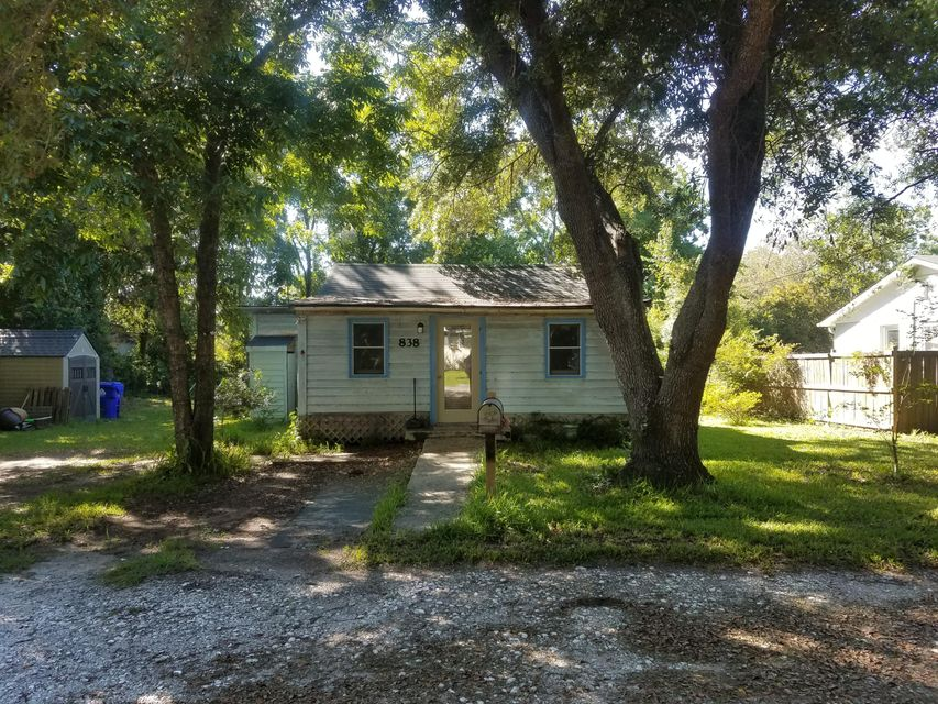 838  Armsway Street Mount Pleasant, SC 29464