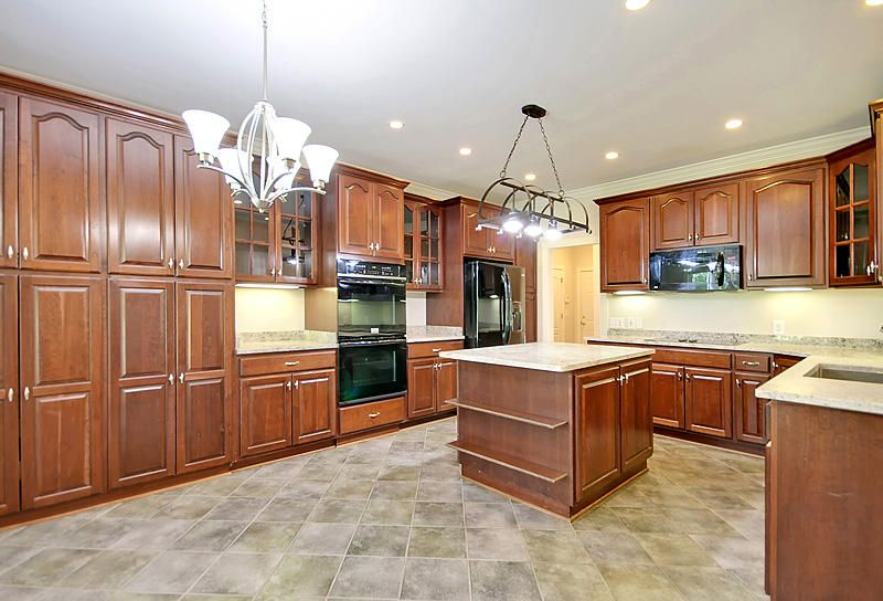 8725 E Fairway Woods Circle North Charleston, SC 29420