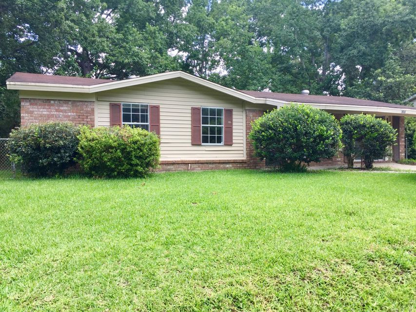 2616  Clara Lane North Charleston, SC 29406