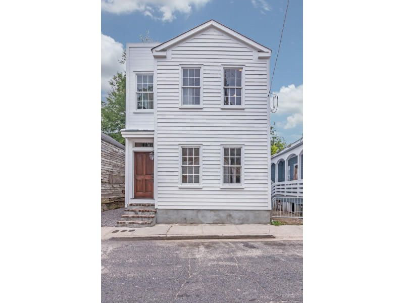 40  Poinsett Street Charleston, SC 29403