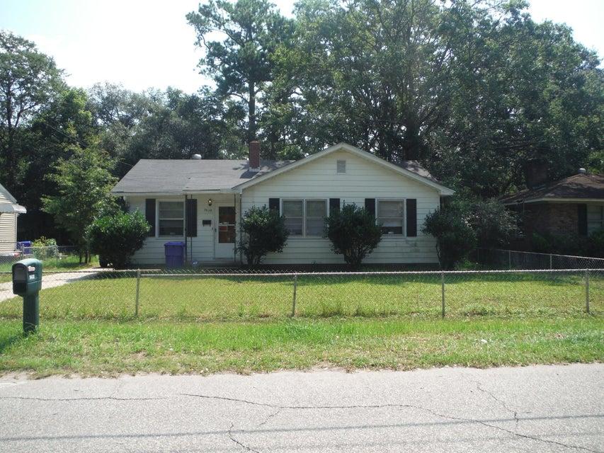 5638  Meadow Avenue North Charleston, SC 29406