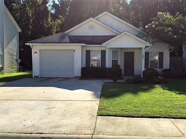 244  Trickle Dr Summerville, SC 29483