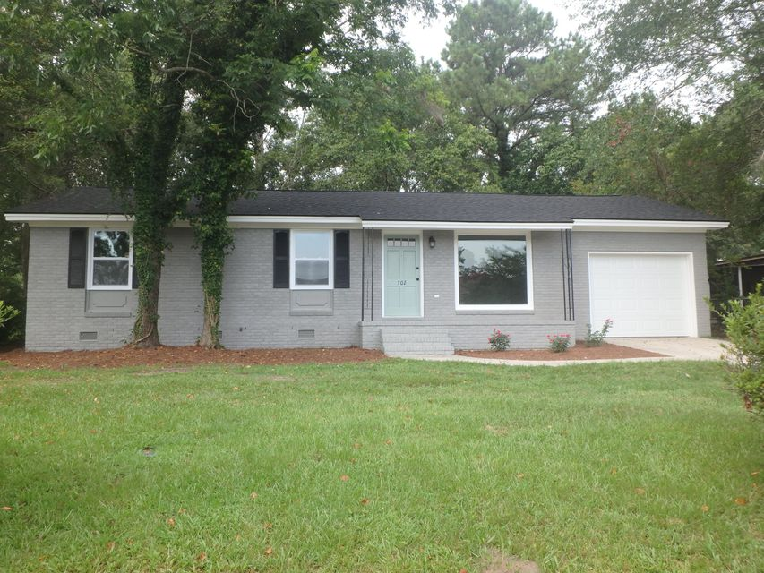 702 E 3RD North Street Summerville, SC 29485