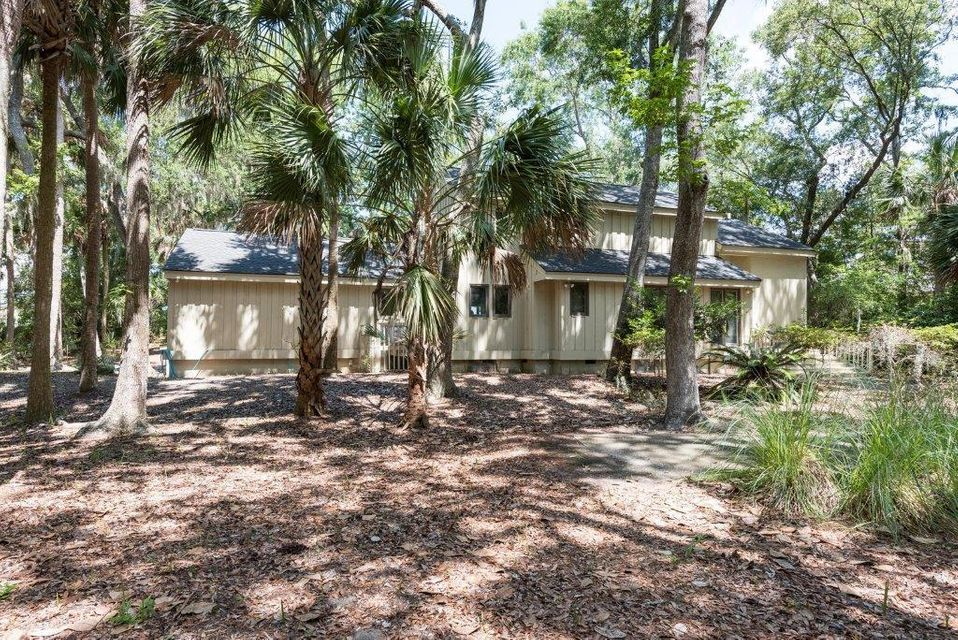 2586  Seabrook Island Road Johns Island, SC 29455