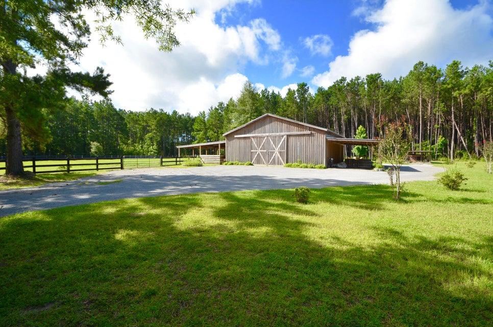 1217  Spring Grove Road Bonneau, SC 29431